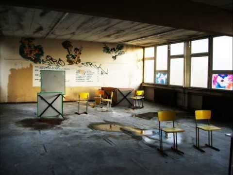 Lost Place - die ehemalige Schule an der Windmühlenstraße im April 2013