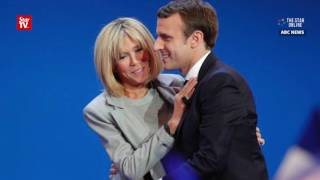 Video Unusual love story between French presidential front runner Macron and his wife MP3, 3GP, MP4, WEBM, AVI, FLV Oktober 2017