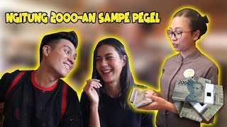 Video PRANK duit RECEH di RESTAURANT terkenal !! Pegel Tangan Ngitung DUIT .. MP3, 3GP, MP4, WEBM, AVI, FLV April 2019