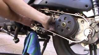 8. Como cambiar el variador y limpiar el embrague de la kymko agility city 125