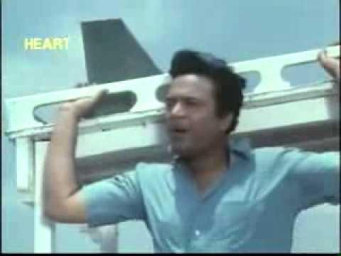 Ki Ashay Bandhi Khelaghar - Amanush (1975) - YouTube_2