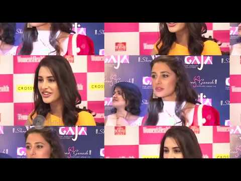 Video OOPS !! Alia Bhatt FLASHED Her White INNER WEAR download in MP3, 3GP, MP4, WEBM, AVI, FLV January 2017