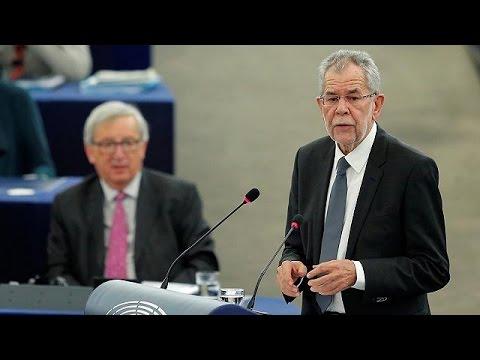 Ευρωκοινοβούλιο: Μήνυμα κατά του ακροδεξιού λαϊκισμού έστειλε ο Πρόεδρος της Αυστρίας
