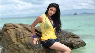 Shruthi Hassan oppose to releasing D Day in Tamil - Tamil cine news - 31-01-2014