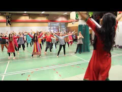 Индийские танцы: Болливуд. Урок видео обучения.