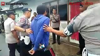 Video Detik-detik penggerebekan bandar narkoba di Aspol Brimob Padang panjang oleh Polresta Padang panjang MP3, 3GP, MP4, WEBM, AVI, FLV Agustus 2018