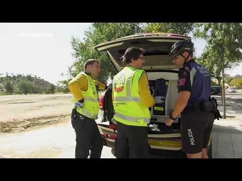 ¿Serpientes por Madrid?. El equipo de Ambulancias atiende la picadura de una culebra a un policía
