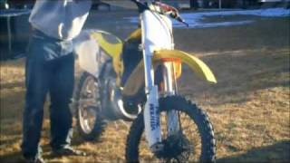 6. EXCLUSIVE Suzuki RM125 walk around and start