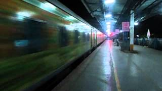 Nonton FAST & FURIOUS-PUNE-AHMEDABAD DURONTO!! Film Subtitle Indonesia Streaming Movie Download