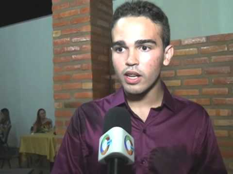 Jovem de 15 anos lança livro em São Domingos do Maranhão
