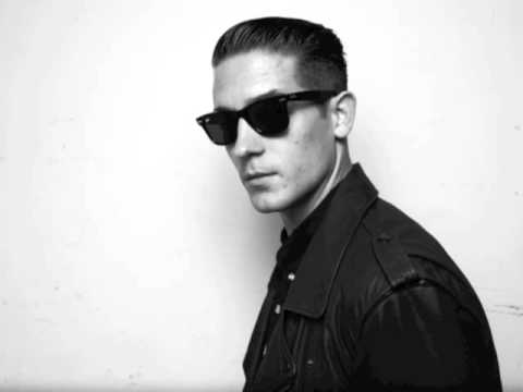 Runaround Sue G-Eazy Ft. Greg Banks