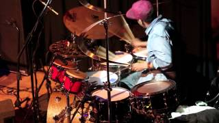 Download Lagu Chris Daddy Dave Solo | Manchester, UK '13 Chris Dave and The Drumhedz Mp3