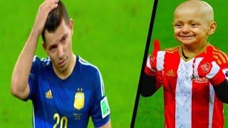 Video 3 Tragic Moments the Football World will Never Forget MP3, 3GP, MP4, WEBM, AVI, FLV Oktober 2018