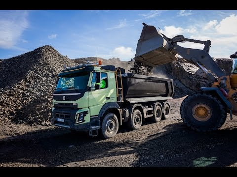 Volvo Trucks - Five new featurs for rough terrain