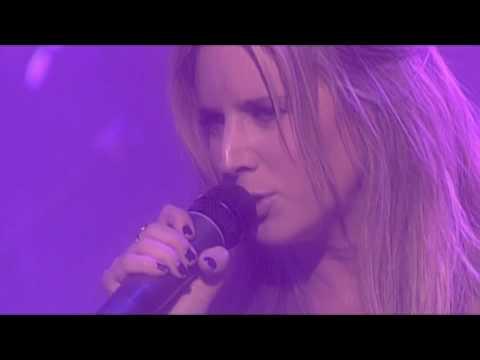 Tekst piosenki Lucie Silvas - Twisting the chain po polsku