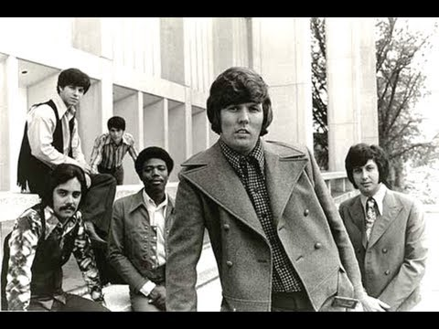 TRACES (Lyrics on screen) - CLASSICS IV  ft. Dennis Yost