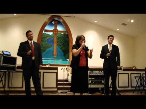 Debra Perry & Jaidyn's Call sing Blessing In Disguise