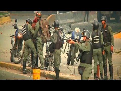 Διαδηλωτής στη Βενεζουέλα: «Ο αστυνομικός με σημάδεψε και μου έριξε πέντε σφαίρες»
