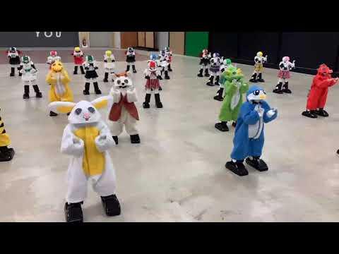 神奈川「バーチャル開放区」ロボット28体のラジオ体操の画像