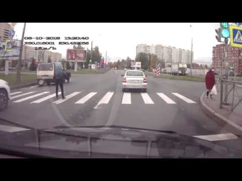 Dostał gazem po oczach za cwaniakowanie na środku drogi