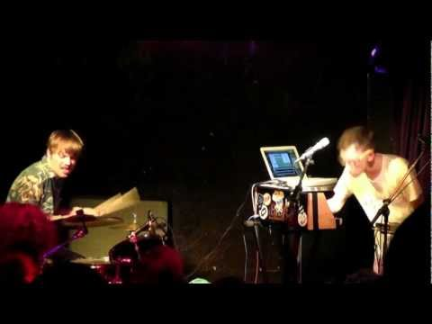 Check out Ben Butler & Mousepad performing live @culdesactilburg / @incubate #incu12 [video]