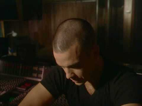 Robbie Williams Making of  Let Me Entertain You