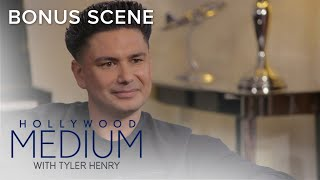 Video Tyler Henry Predicts Pauly D's Stomach Problems | Hollywood Medium with Tyler Henry | E! MP3, 3GP, MP4, WEBM, AVI, FLV Juli 2018