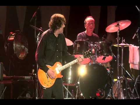 Gary Moore - Whiskey in the Jar (Tribute to Phil Lynott) [HQ] [9/10] - YouTube
