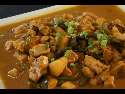 Asian yellow curry chicken Thai recipe how to cook great food lime leaves coconut milk
