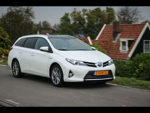 Toyota Auris Hybrid TS review