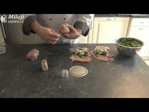 Pečené kuřecí závitky se špenátovou omáčkou