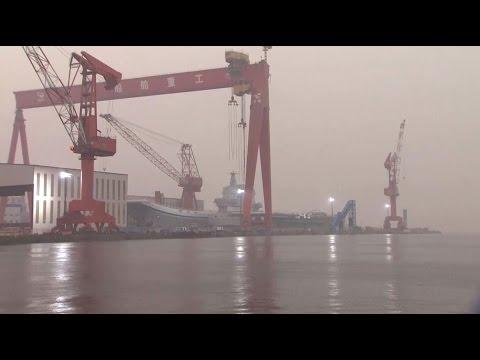 Китай построил собственный авианосец