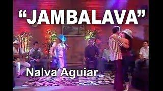 """Nalva Aguiar canta """"Jambalava"""" de Hank Willians no Programa Eliane Camargo enquanto o diretor do programa Renato dança com a apresentadora Eliane Camargo."""