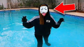 HACKER GIRL in SWIMMING POOL (PROJECT ZORGO/PZ4) FACE REVEAL UNMASKING! (Chad Wild Clay & Vy Qwaint)