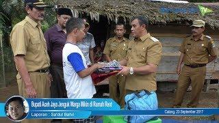 Bupati Aceh Jaya Jenguk Warga Miskin di Rumah Reot