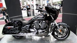 4. 2013 Victory Cross Country Custom - Walkaround - 2013 Quebec Motorcycle Show
