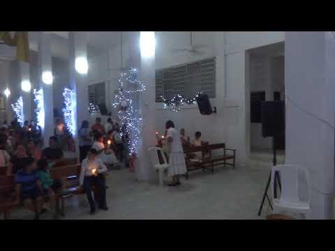 ENLA PARROQUIA PARA ESCUCHAR LA SANTA EUCARISTIA OFICIADA POR EL PARROCO MIGUEL ANGEL VALENCIA CEJA