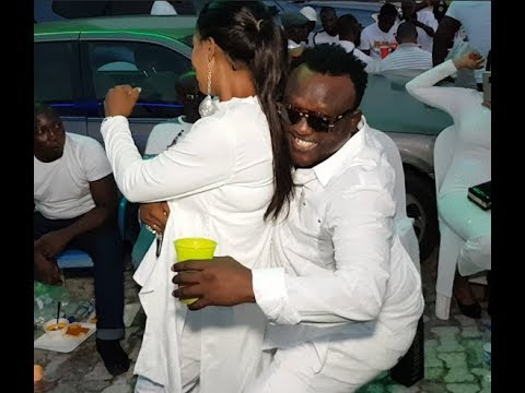 King Of Fuji,Saheed Osupa Dancing With Beautiful Girls At Billionaire Doro All White Party On Sea