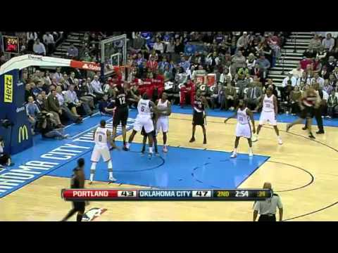LaMarcus Aldridge put-back dunk against the Thunder