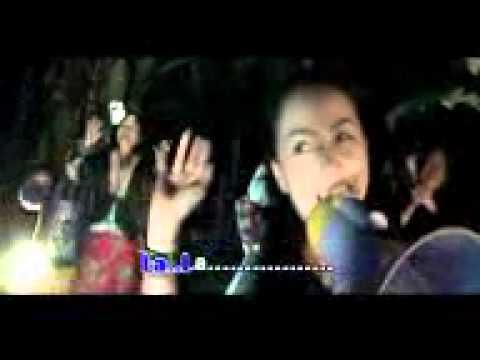 Xab Thoj & Txiab Yaj MV 4   Noob Nom Phaj   YouTube