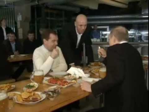 Путин в жигулях фото