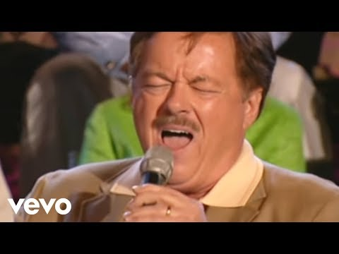 Bill & Gloria Gaither – The Holy City [Live] ft. Larry Ford