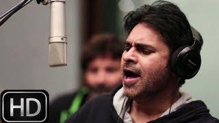 Pawan Kalyan Singing Kaatam Rayudu Song - Attarintiki Daredi - Pawan Kalyan, Samantha, Pranitha