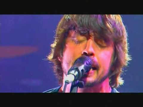 Tekst piosenki Foo Fighters - The Deepest Blues Are Black po polsku