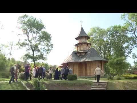 """Igor Dodon a vizitat Mănăstirea """"Sf. Mironosițe Marta și Maria"""" din satul Hagimus, Căușeni"""