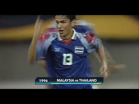 1996: Kiatisuk somersaults his way into the history books