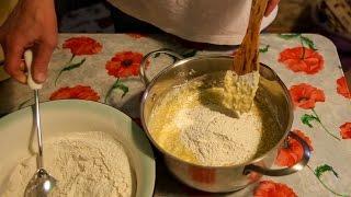 Тесто для пирожков в духовке на кефире [Домашняя Кухня]