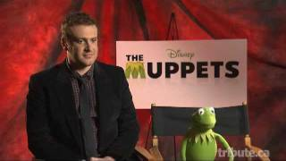Jason Segel And Kermit The Frog Interview - The Muppets