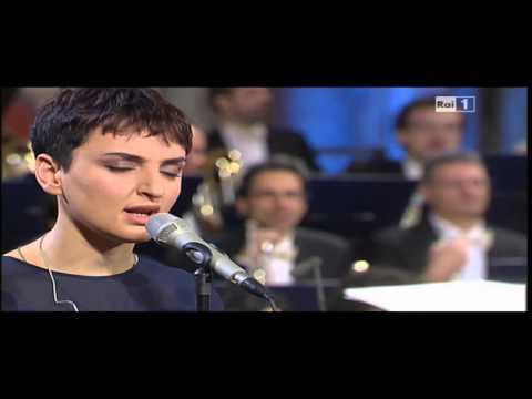 , title : 'Arisa in Halleluja di Leonard Cohen. Live con Orchestra'