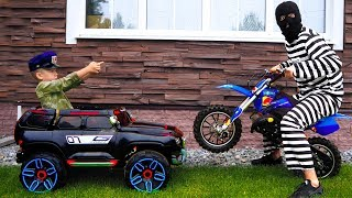 Video Funny Senya Unboxing and Playing Police Car Ride On Power Wheel Police Car and Pit Bike MP3, 3GP, MP4, WEBM, AVI, FLV Agustus 2018